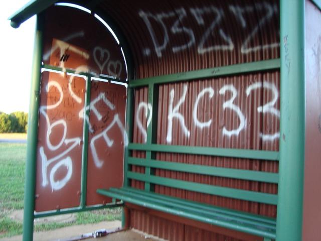 graffiti-bus-shelter-gold-coast-before