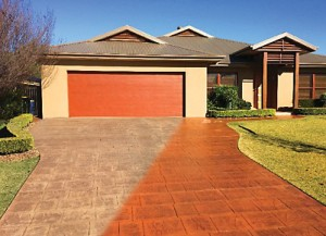Gold Coast Driveway Cleaning: Hot high pressure wash